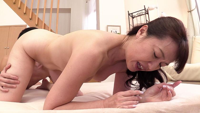 ヌード撮影だけのはずが…7年ぶりのセックスに悶絶する美乳首の五十路妻 松下さん54歳 の画像7