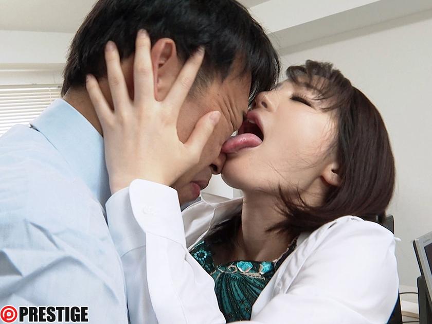 接吻狂い ぐちょぐちょ唾液まみれ3本番 ACT.04 鈴村あいり【MGSだけの特典映像付】 +15分-エロ画像-2枚目