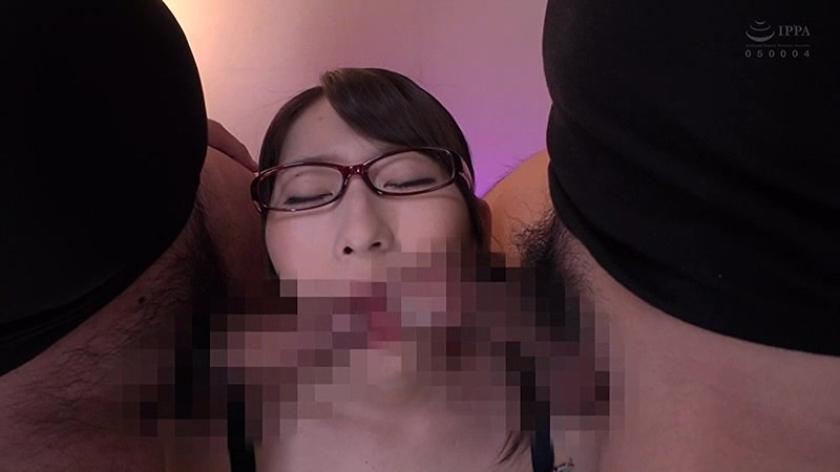 地味なメガネっ子のクセにビンビン感じちゃう爆乳を持余すドスケベ女の懇願調教! 宝田もなみのサンプル画像16