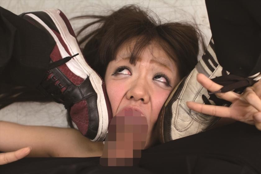アへ顔 ダブルピース 無修正 再現VTRw町内会で泥酔した妻が寝取られアヘ顔ダブルピースw ...