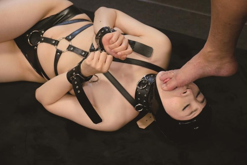 全裸と奴隷拘束具姿のギャップ 2 梨々花 宮崎あや 藤川菜緒 後藤由乃のサンプル画像8