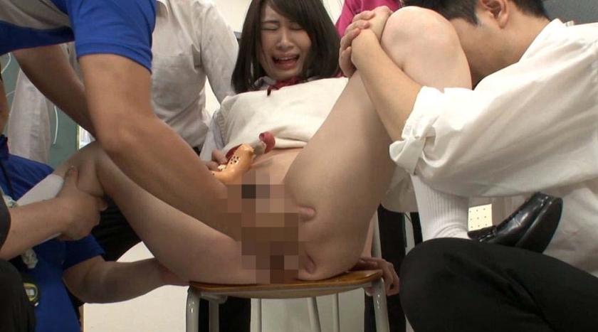 女子生徒30人が男子の前でヤラれる!羞恥授業5時間作品集 の画像5