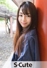yuuriS-Cute美脚美少女はベッドの上で果てる
