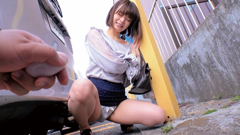 素人美少女とリモコンバイブお散歩 2 ーNK区編ー「もう我慢できません… 」人混みの中ビクビク震えてイキまくってしまう女子たち!人生初の羞恥プレイでまさかのエロスイッチオン!車移動中も窓全開放で大胆カーオナニー!最後は近くのスタジオで心行くまで生セックス!のサンプル画像1