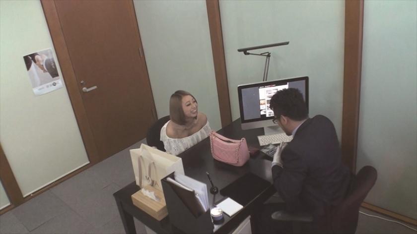 質屋娘 vol.5 お金に困った女の子をAV好きの質屋が口説いてSOD(ソフト・オン・デマンド)に連れてきた!