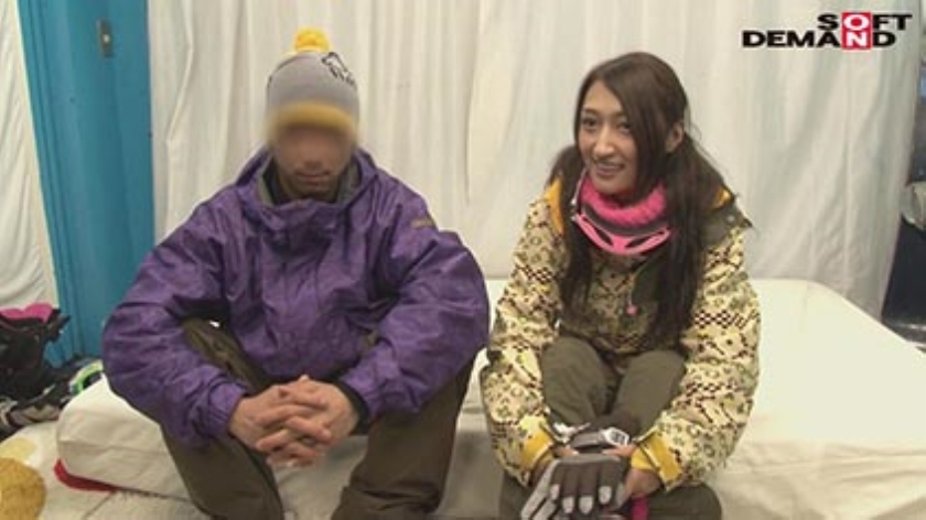 「カップル限定」マジックミラー号の中で、自慢の彼女を「寝とって」真正中出し! ユミさん(25)ガス会社受付のサンプル画像1