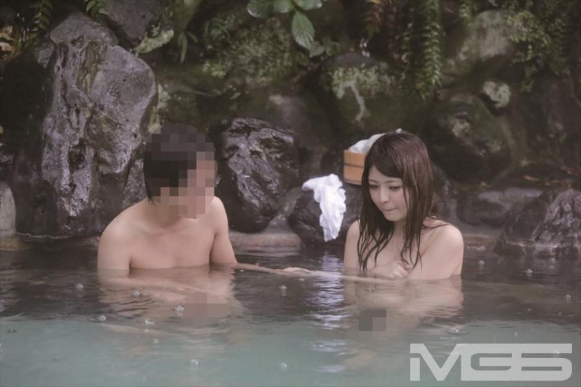 温泉街で見つけた一般男女が出会ってすぐに「混浴モニター体験」 初対面でいきなり裸同士!の即席カップルは、入浴中に火が付くまで何分? 3 の画像1