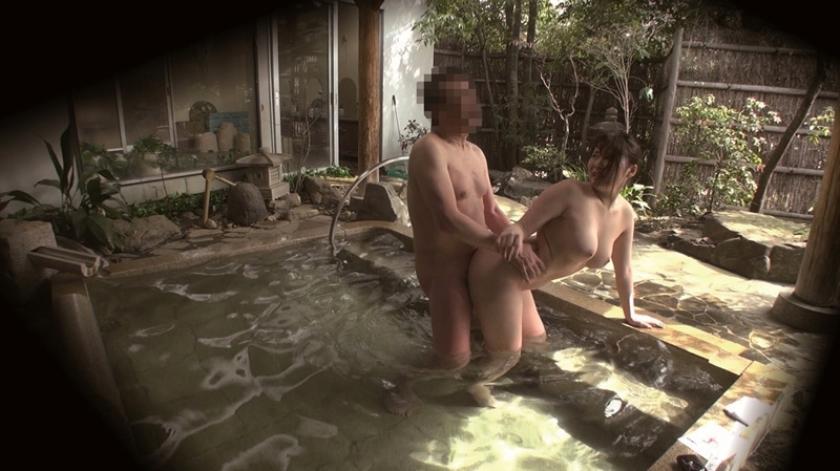 石和温泉で見つけた卒業旅行中の美巨乳女子学生のお嬢さん タオル一枚 男湯入ってみませんか?+過激すぎて未公開だった(秘)映像を一挙大公開 40回記念 12名 8時間SP の画像5