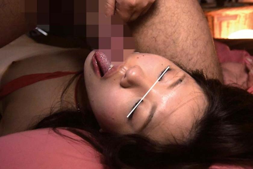 某AV男優のセフレ、居酒屋アルバイトのちっぱい地味娘あゆみ(20歳)。巨根で子宮をズボられまくり下品にヨガリ狂うハメ撮り動画を妬み販売。AVデビュー 不安そうな表情から一転、敏感な乳首に触れるとメス化。 の画像3