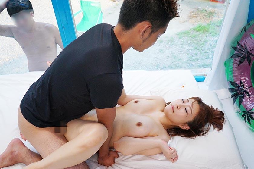 みどり(21)女子大生 マジックミラー号 常夏の海!水着娘を彼氏の前で寝取って真正中出し2連発! の画像5