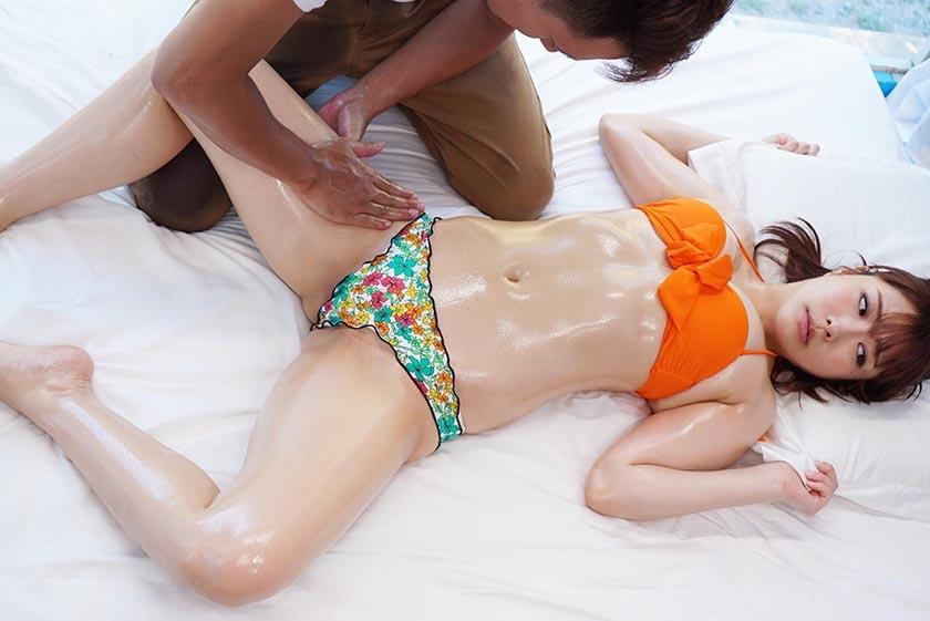 みどり(21)女子大生 マジックミラー号 常夏の海!水着娘を彼氏の前で寝取って真正中出し2連発! の画像14