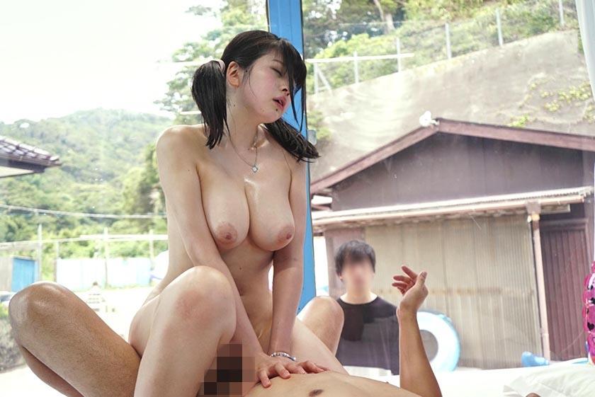 りほ(18)女子大生 マジックミラー号 真夏のビーチで巨乳の水着が揺れまくり!彼氏の前でNTR +真正中中出し! の画像4