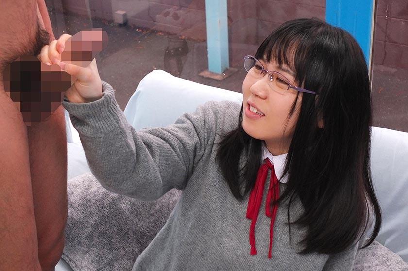 かな(18)女子◯生 マジックミラー号 初めてのおちんちん研究!かわいいお顔にぶっかけ! の画像13