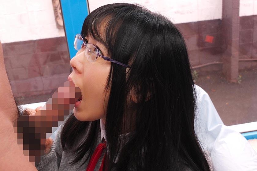 かな(18)女子◯生 マジックミラー号 初めてのおちんちん研究!かわいいお顔にぶっかけ! の画像11